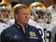 Brian Kelly and the Irish #1 (photo by: Matt Cashore-US PRESSWIRE)