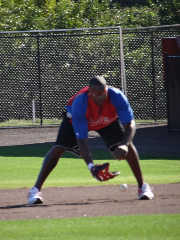 Ryan Howard takes some infield in Clearwater (EDDIE MICHELS PHOTO)