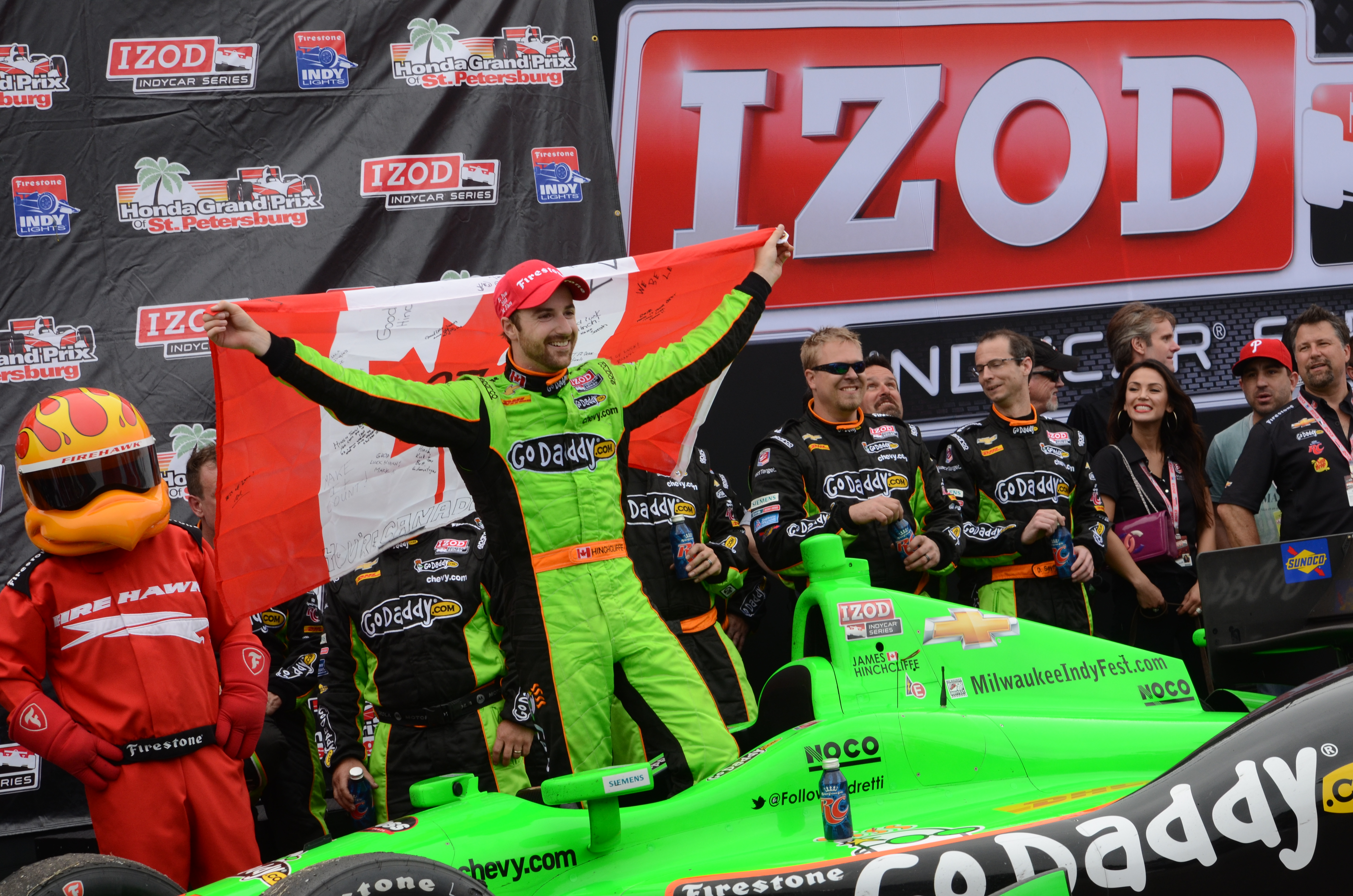 Oh Canada, James Hinchcliff celebrates in Victory Lane (photo: Rodney Meyering/RSEN)