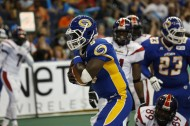 QB Adrian McPherson rushes for a TD (photo by: Scott Audette/Tampa Bay Storm)
