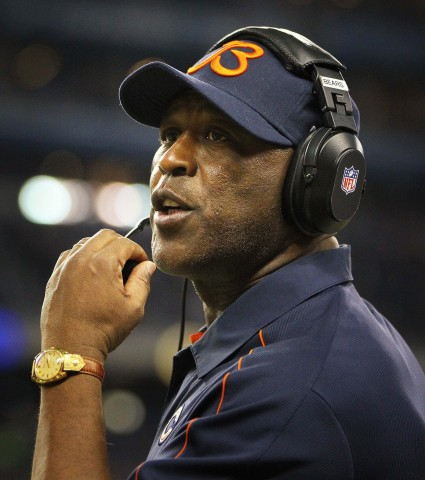 Lovie Smith (photo USA Today Sports / Mike Carter)