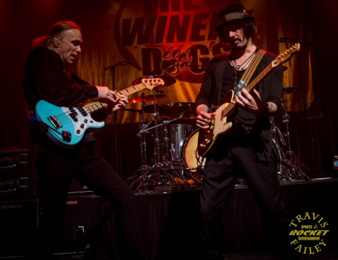 Billy Sheehan (left) and Richie Kotzen (photo Travis Failey / RSEN)