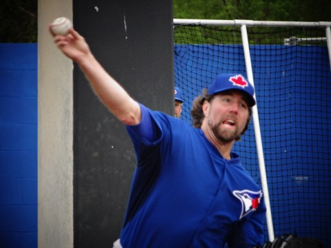 RA Dickey is 0-3 with a 5.23 ERA (EDDIE MICHELS/PHOTO)