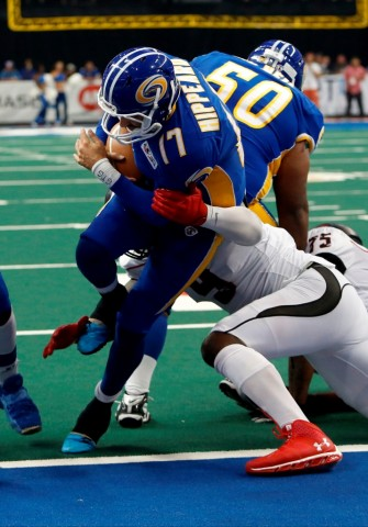 Randy Hippeard busts over the goal line: PAY DIRT STORM! (photo Scott Audette / Tampa Bay Storm)