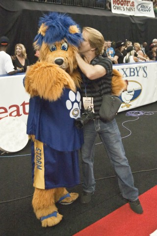 Is that RSEN's Travis failey flirting with Storm Dog!!?? (photo Chuck Green / Cg Photography)