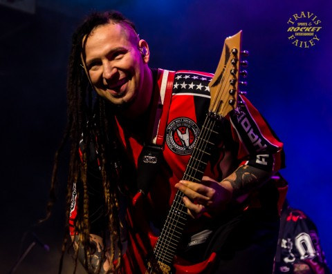 ZOLTAN BATHORY - FIVE FINGER DEATH PUNCH (photo Travis Failey / RSEN)