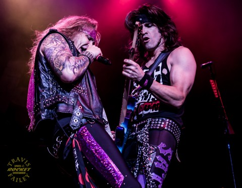 MICHAEL STARR & SATCHEL - Steel Panther (photo TRAVIS FAILEY / RSEN)
