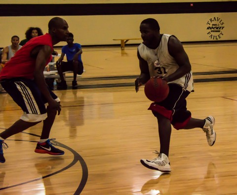 Ray Perry makes a move with the dribble (Travis Failey - RSEN photo)