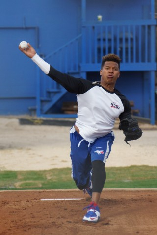 Marcus Stroman throws a bull pen session today in Dunedin (EDDIE MICHELS PHOTO)
