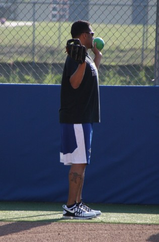 Johan Santana from throwing water bottles to lifting weighted balls (EDDIE MICHELS PHOTO)