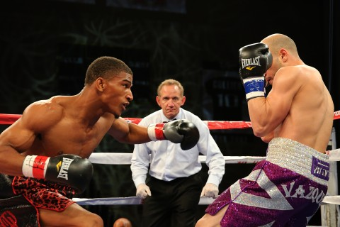"Clarence ""The Truth""  Booth dominates to win in round 1   (photo Alex Menendez / LatinBox Communications)"