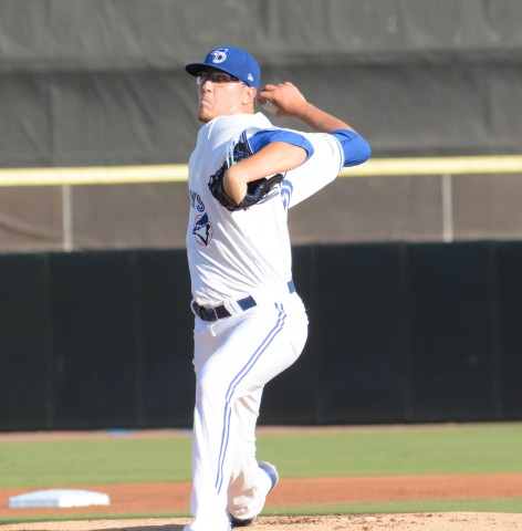 Jeff Hoffman started in the hot Florida sun with a 1-2-3 first inning. (photo Rick Sassone / RSEN)