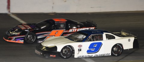 A pair of 9's. White 9 Brad May finishes 5th, black 9 Derek Thorn gets 7th (photo by Rodney Meyering)