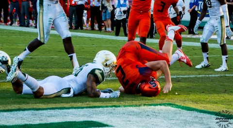 Dungey gets more pressure in his own end zone (photo Travis Failey / RSEN)