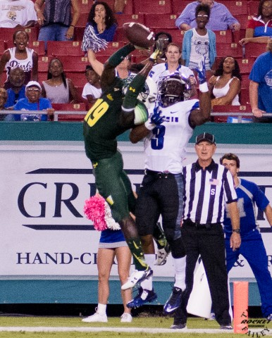 USF's Ronnie Higgins almost picks one form intended receiver
