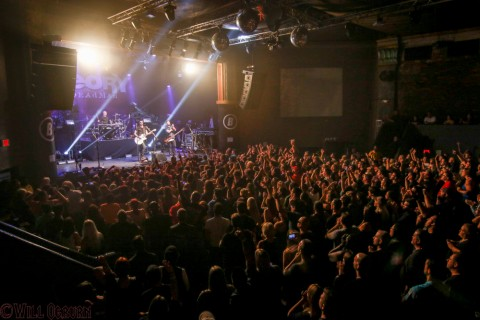 Theory of a Deadman crowd (Will Ogburn photo)
