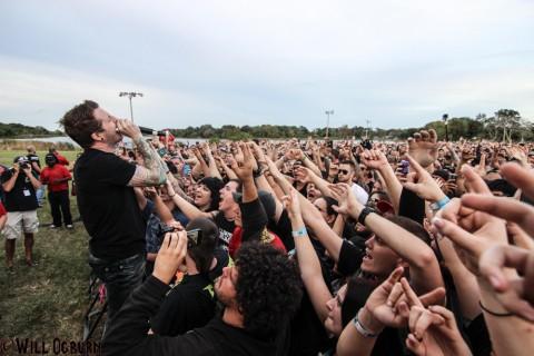 Alex Varkatzas and crowd (photo Will Ogburn)