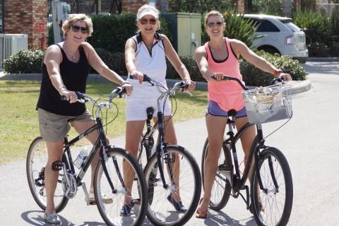 (Left to Right) Kim DeNoble, Paula Wineck and Jenn Yarndley (EDDIE MICHELS PHOTO)