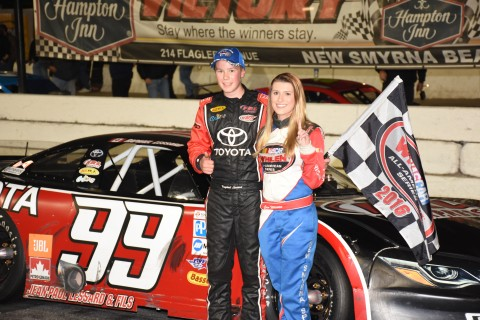 Raphael Lessard wins the Pro late model (photo Rodney Meyering / RSEN)