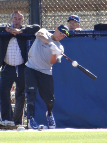 Infielder Ryan Goins gets his swings in on Thursday at the Blue Jays Mattick Complex. (EDDIE MICHELS PHOTO)