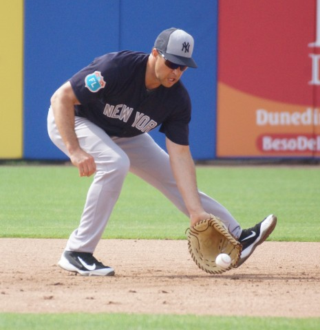 Mark Teixeira Taking Grounders (EDDIE MICHELS PHOTO)