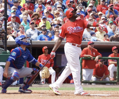 Ryan Howard Flys Out to Right in 2nd (EDDIE MICHELS PHOTO)