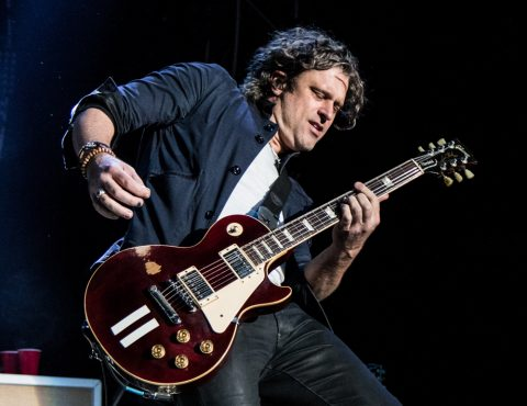 DEAN ROLAND, COLLECTIVE SOUL (photo WILL OGBURN)