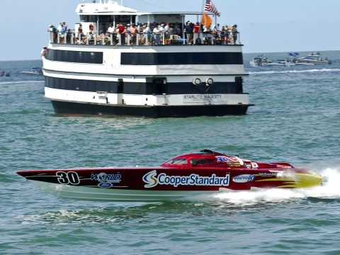 Super Boat Extreme National Champion Cooper Standard [CHUCK GREEN PHOTO]