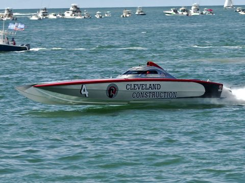 Super Boat- #4 Cleveland Construction, St. Claire, MI.Super Boat- #4 Cleveland Construction, St. Claire, MI. Edward Smith-driver-Keith Holmes-throttles (CHUCK GREEN PHOTO)