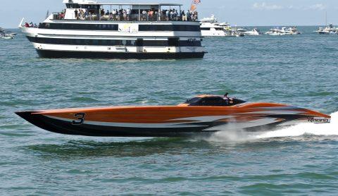 Super Boat Unlimited- #3 CMS off Shore Racing, Macks Creek Mo. Bob Bull-driver- Randy Scism-throttles (CHUCK GREEN PHOTO)