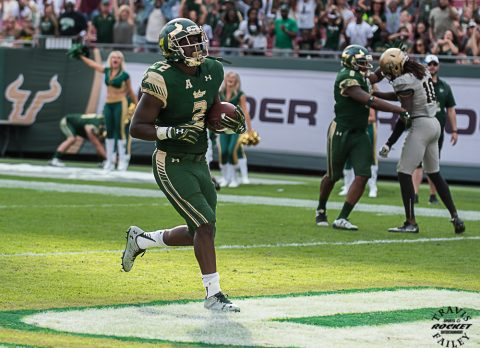 D'Ernest Johnson (Immokalee) capped off the scoring with a 1-yard touchdown run with 11 seconds left. The score helped the Bulls rack up 500 total yards and set the program's new record for total yards in a season (6,181). USF leads the FBS with 44 rushing touchdowns this year. (TRAVIS FAILEY PHOTO)